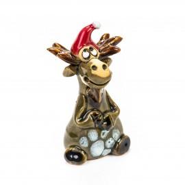 Keramik Minifigur - Elch sitzend mit Weihnachtsmütze - gemischte Farben
