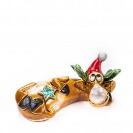 Keramik Minifigur - liegender Elch mit Weihnachtsmütze - gemischte Farben