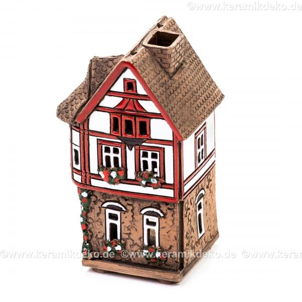 Teelichthaus Nr. 8 - Weißes Haus mit rotem Fachwerk. Teelichthalter, Duftstövchen und Räucherhaus