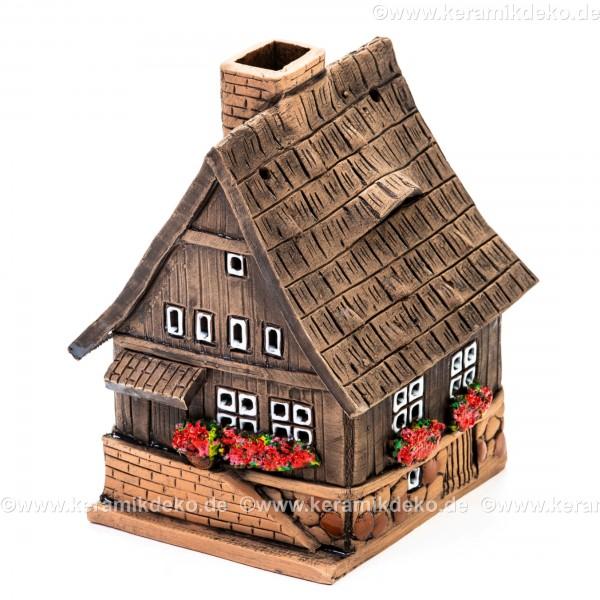Teelichthaus Nr. 17 - Braunes Holzhaus mit kleinen Fenstern. Teelichthalter, Duftstövchen und Räucherhaus