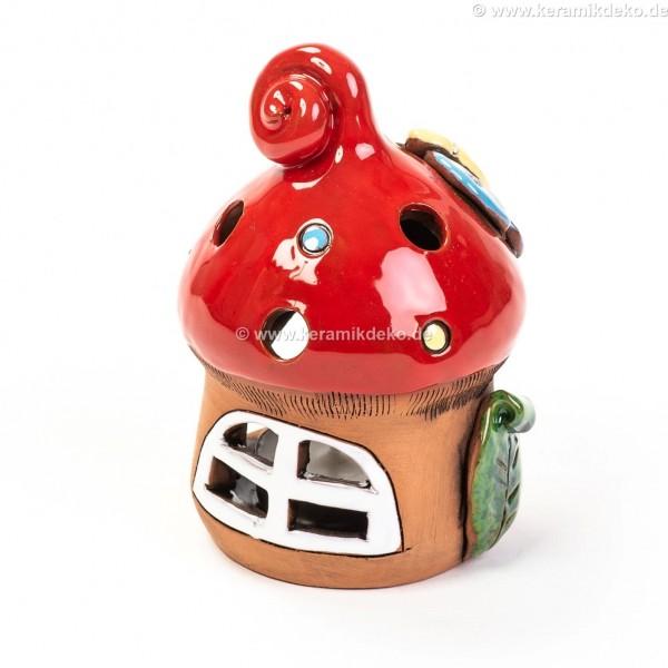 Teelichthaus mit rotem Dach und einem Schmetterling– Größe S