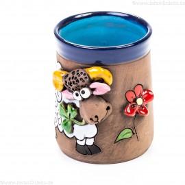 Keramiktasse mit Widder und Blumen (1)