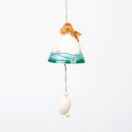Keramikglocke mit einem Fisch.