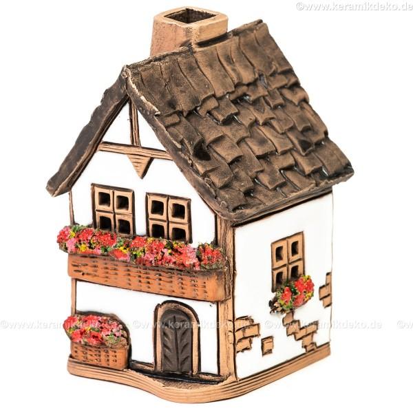 Lichthaus aus Keramik Nr. 33. Kleines Stadthaus mit Balkon - Teelichthalter, Räucherhaus und Dekohaus