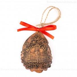 München - Neues Rathaus - Weihnachtsmann-form, braun, handgefertigte Keramik, Baumschmuck zu Weihnachten