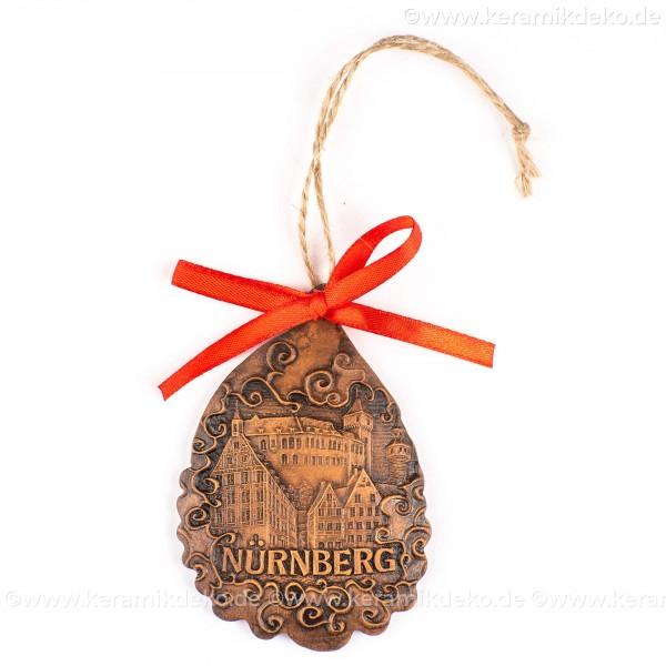 Kaiserburg Nürnberg - Weihnachtsmann-form, braun, handgefertigte Keramik, Baumschmuck zu Weihnachten