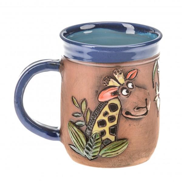 Blaue Keramiktasse mit einer Giraffe II