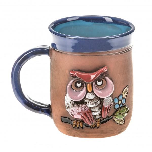 Blaue Keramiktasse mit einer rosa Eule auf einem Ast II